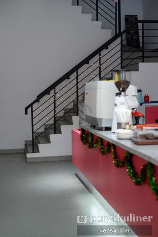Foto 8 - Interior di La Vie Kitchen and Coffee oleh Deasy Lim