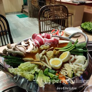 Foto 3 - Makanan(Beef and Mushroom Hotpot) di Koba oleh JC Wen
