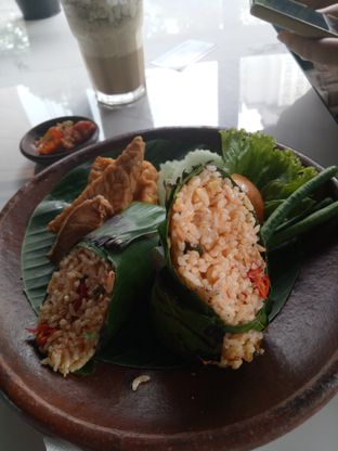 Foto 2 - Makanan di ROOFPARK Cafe & Restaurant oleh Namira