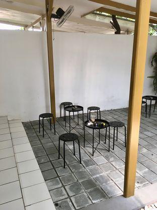 Foto 6 - Interior di Saksama Coffee oleh Prido ZH