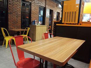 Foto 6 - Interior di Smack Burger oleh Fensi Safan