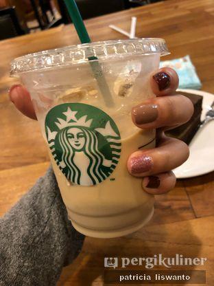 Foto 2 - Makanan(latte) di Starbucks Coffee oleh Patsyy