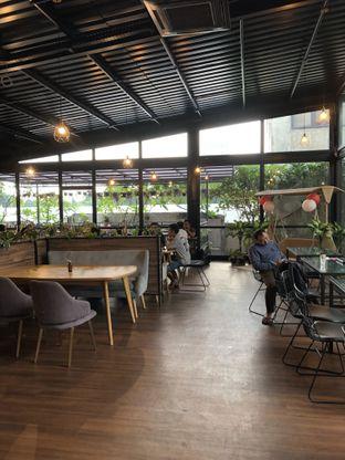 Foto 4 - Interior di Kaca Coffee & Eatery oleh Mitha Komala