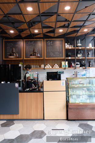 Foto 2 - Interior di MP Coffee oleh Darsehsri Handayani