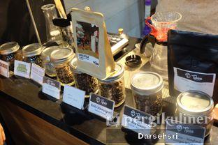 Foto 7 - Interior di Typica Coffee & Zain's Kitchen oleh Darsehsri Handayani