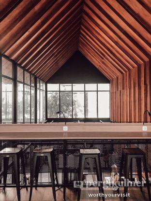 Foto 3 - Interior di Loko Cafe oleh Kintan & Revy @worthyourvisit