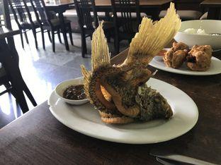 Foto 2 - Makanan(Gurame Goreng) di Pandan Bistro oleh Oswin Liandow
