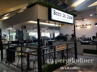 Foto review Born In June oleh UrsAndNic  3