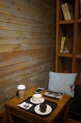 Foto 7 - Interior di Caffe Bene oleh yudistira ishak abrar