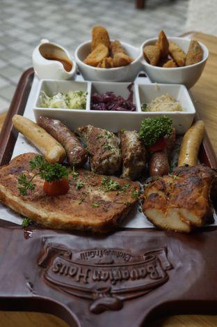 Foto 1 - Makanan di Bavarian Haus Bratwurst & Grill oleh yudistira ishak abrar