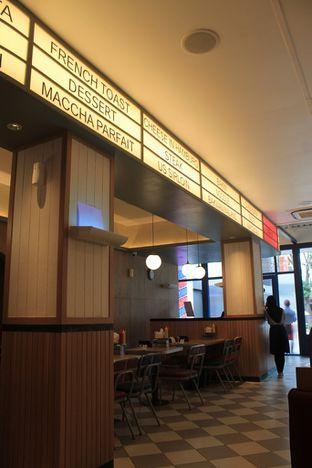 Foto 12 - Interior di Food Days oleh Prido ZH