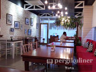Foto 10 - Interior di Cikang Coffee & Resto oleh Tirta Lie