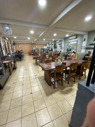 Foto 7 - Interior di Bebek Goreng HT Khas Surabaya oleh Riani Rin