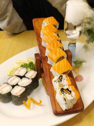Foto review Umamya Sushi oleh Metha Loviana 3