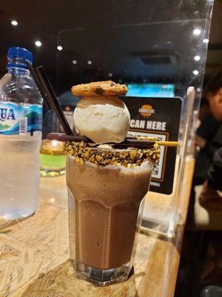 Foto 2 - Makanan di Lawless Burgerbar oleh Mouthgasm.jkt