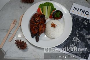 Foto review Intro Jazz Bistro & Cafe oleh Deasy Lim 8