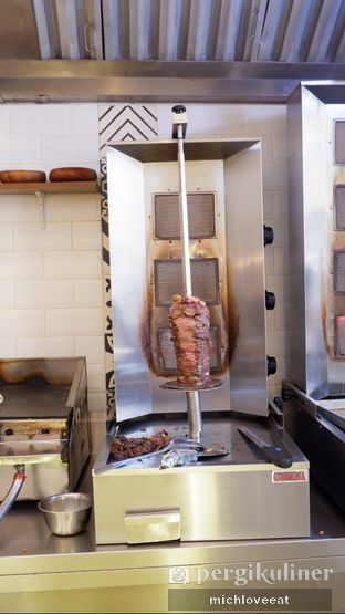 Foto 6 - Makanan di Emado's Shawarma oleh Mich Love Eat