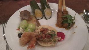 Foto 6 - Makanan(Betawi Rijsttafel (IDR 499k++) ) di Tugu Kunstkring Paleis oleh Renodaneswara @caesarinodswr