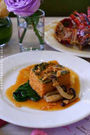 Foto review Voyage Restaurant - Harris Vertu Hotel oleh Vionna & Tommy 11