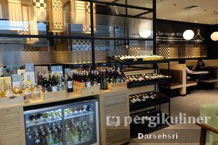 Foto 8 - Interior di MOS Cafe oleh Darsehsri Handayani