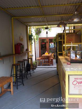 Foto 9 - Interior di Nasi Kuning Cakalang Oma oleh UrsAndNic