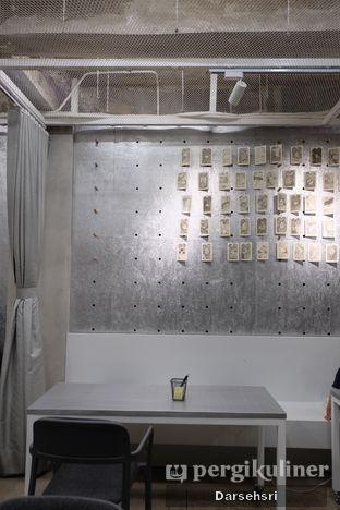 Foto 5 - Interior di Tu7uhari Coffee oleh Darsehsri Handayani