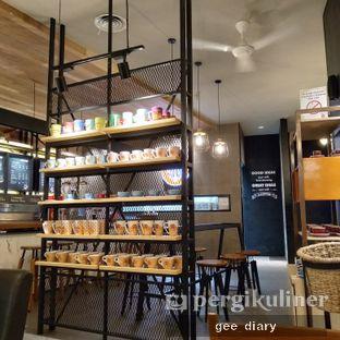 Foto 2 - Interior di J.CO Donuts & Coffee oleh Genina @geeatdiary