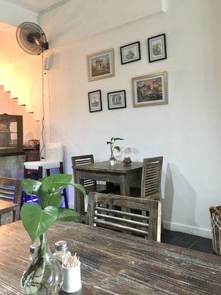 Foto 6 - Interior di PLUIE Cafe & Resto oleh Prido ZH