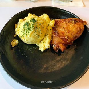 Foto 1 - Makanan di KFC Naughty by Nature oleh @Kewlinesh