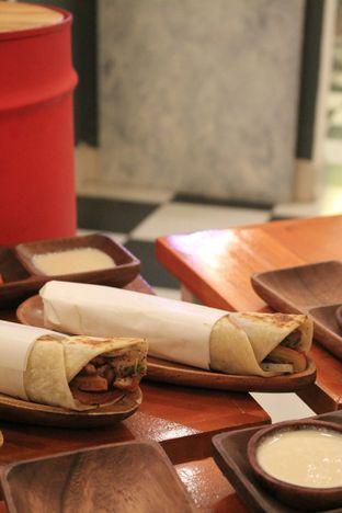 Foto 8 - Makanan di Emado's Shawarma oleh Prido ZH