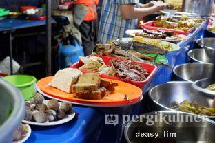 Foto 5 - Interior di Nasi Uduk Kota Intan (Aweng) oleh Deasy Lim
