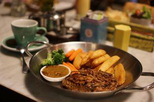 Foto 2 - Makanan(Sirloin Local) di Miss Bee Providore oleh Fadhlur Rohman