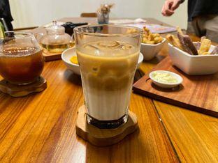 Foto review Komune Cafe oleh feedthecat  9