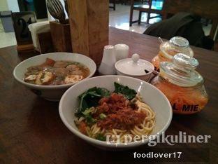 Foto 1 - Makanan di Bakso So'un & Mie Ayam TTD.47 oleh Sillyoldbear.id