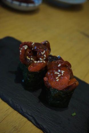 Foto 6 - Makanan(Chuka Idako Gunkan) di Sushi Hiro oleh Elvira Sutanto