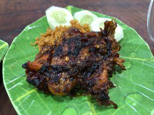 Foto 1 - Makanan(Ayam Bakar) di Sandjaja & Seafood oleh Budi Lee