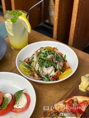 Foto 6 - Makanan(Parmesan Arugula) di Convivium oleh @teddyzelig