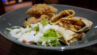 Foto review Mid East Restaurant oleh Ro vy 2