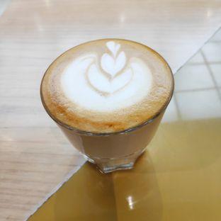 Foto 2 - Makanan(Hot Cafe Latte) di Common Grounds oleh melisa_10