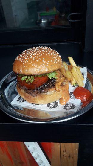 Foto 6 - Makanan di Burgertard oleh Nadia Indo
