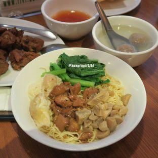 Foto 4 - Makanan di Bakmi Toko Tiga oleh Astrid Wangarry