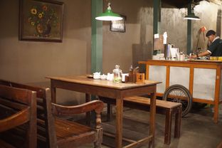 Foto 6 - Interior di Bakmi Jogja Bengawan oleh Fadhlur Rohman