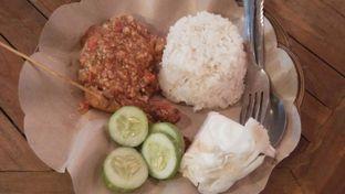 Foto 3 - Makanan di Ayam Gepuk Pak Gembus oleh Review Dika & Opik (@go2dika)