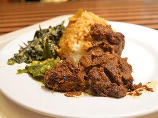 Foto - Makanan di Sari Ratu oleh IG: FOODIOZ