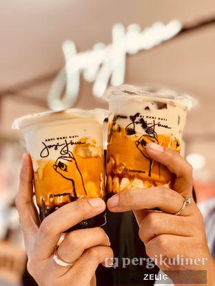 Foto 1 - Makanan(Milk Tea Series) di Kopi Janji Jiwa oleh @teddyzelig