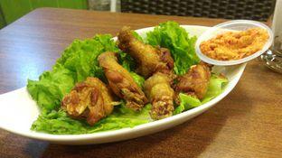 Foto 5 - Makanan(Chicken Wings) di Tong Tji Tea House oleh Eunice