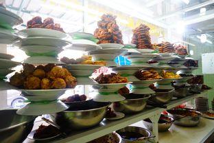 Foto 4 - Interior di RM Pondok Minang Jaya oleh Nanakoot