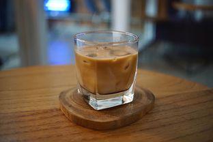 Foto 2 - Makanan(Amarula Latte) di Pivot Coffee oleh Fadhlur Rohman
