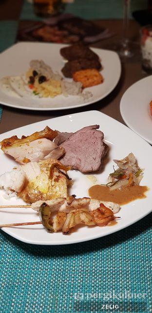 Foto 6 - Makanan di The Square - Hotel Novotel Tangerang oleh @teddyzelig