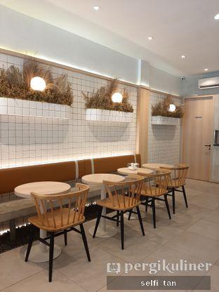 Foto 8 - Interior di Coffeeright oleh Selfi Tan